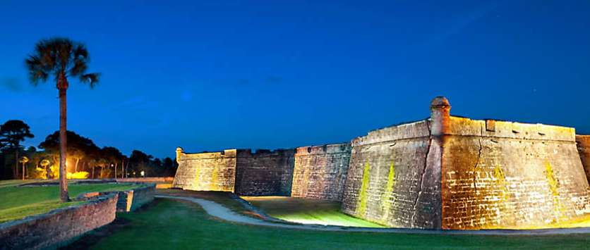 hero-st-augustine-fort-night
